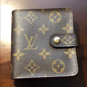 Louis Vuitton compact zippy wallet